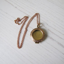 Load image into Gallery viewer, Antique Rose Gold Glass Front Engraved Locket