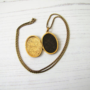 Victorian Style 9ct Gold Locket, 9ct Gold Serpentine Chain - MercyMadge