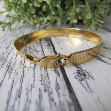 Load image into Gallery viewer, Vintage 18ct Yellow Gold Omega/Flat Snake Bracelet, Italy - MercyMadge