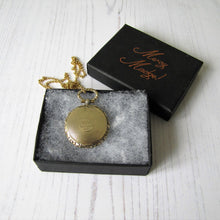 Load image into Gallery viewer, 15ct Carved Gold Memorial Locket For Sir John Guise, English Baronet 1865 - MercyMadge