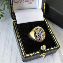 Load image into Gallery viewer, Vintage 14ct Gold White Spinel Signet Ring