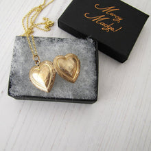 Load image into Gallery viewer, Antique Kollmar & Jourdan Rolled Gold Heart Locket
