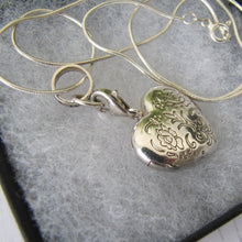 Load image into Gallery viewer, Thomas Sabo Sterling Silver Engraved Puffy Heart Locket