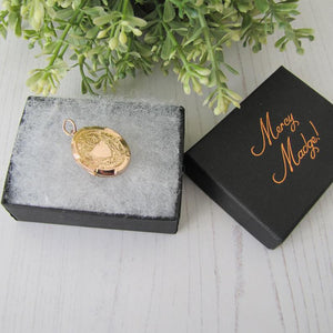 Victorian 9ct Gold Engraved Oval Locket