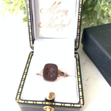 Load image into Gallery viewer, Georgian 15ct Gold Roman Seal Intaglio Ring