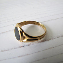 Charger l'image dans la galerie, Victorian 18ct Gold Bloodstone Ring - MercyMadge
