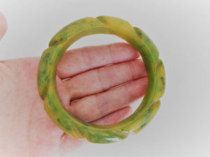 1940s Carved Bakelite Bangle. Marbled Creamed Spinach. - MercyMadge