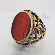 Load image into Gallery viewer, Gents 1970s 9ct Gold Intaglio Ring - Mercy Madge