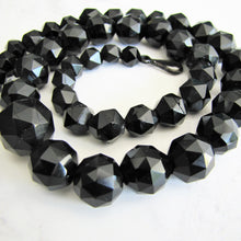 Laden Sie das Bild in den Galerie-Viewer, Victorian Whitby Jet Bead  Necklace. - MercyMadge