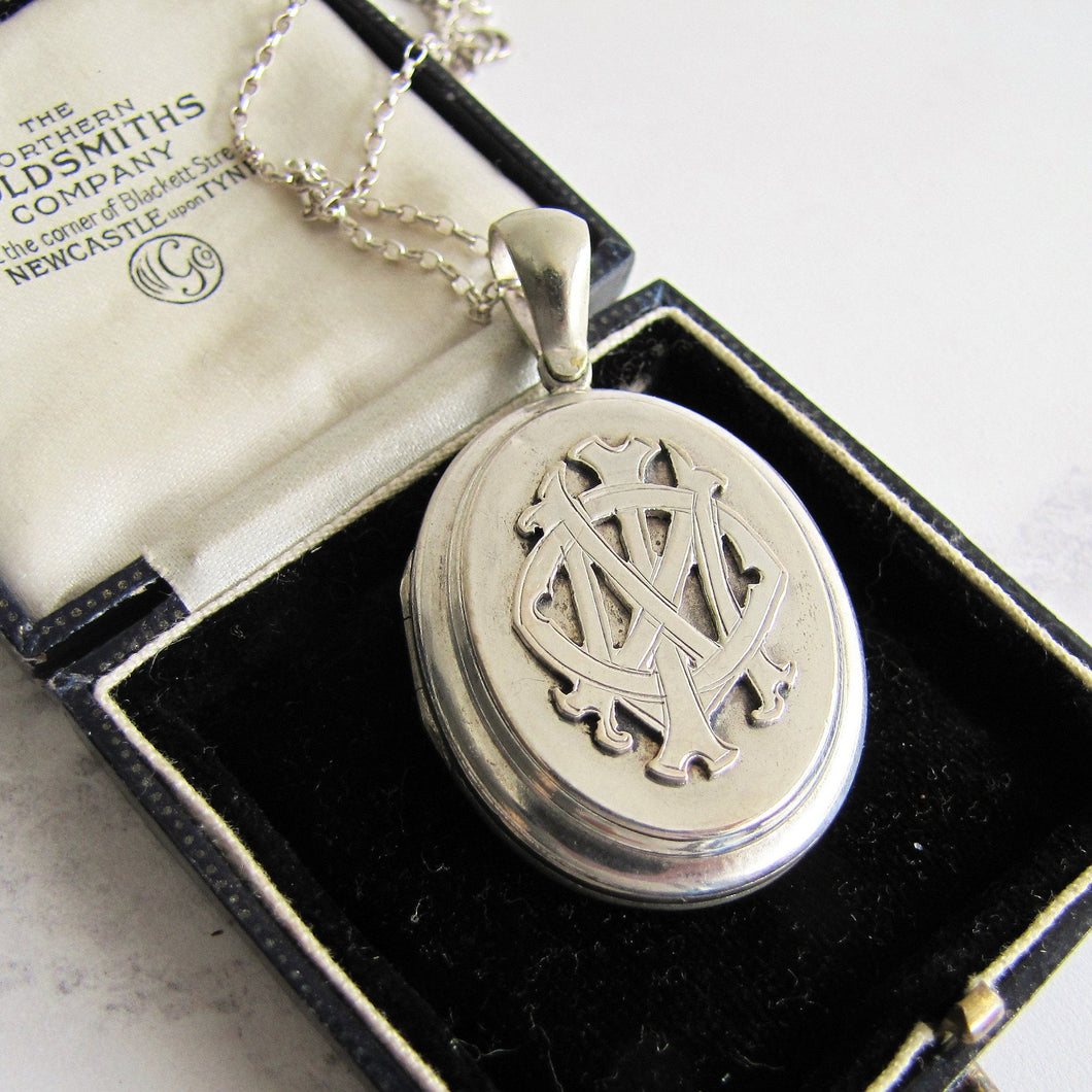 Sterling Silver 'In Memory Of' Antique Mourning Locket - MercyMadge