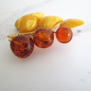 Vintage 1930s 9ct Gold Carved Cherries Baltic Amber Brooch - MercyMadge