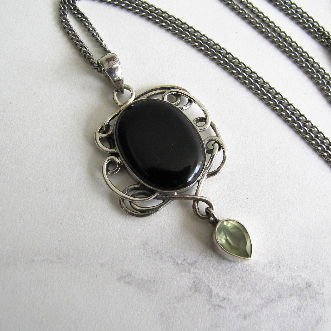 Vintage Whitby Jet Sterling Silver Pendant Necklace. - Mercy Madge