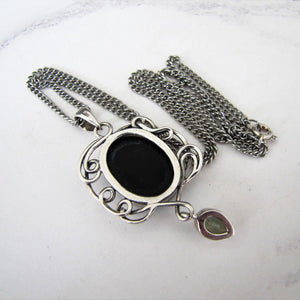 Vintage Whitby Jet Sterling Silver Pendant Necklace. - MercyMadge