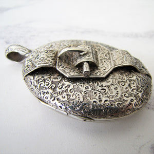 Victorian Aesthetic Engraved Silver Locket. - MercyMadge