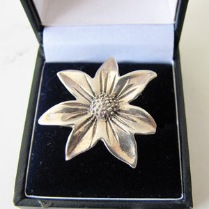 Vintage Sterling Silver Daisy Flower Ring. - MercyMadge