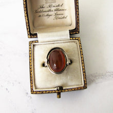 Laden Sie das Bild in den Galerie-Viewer, 1930's Baltic Amber Sterling Silver Ring. - MercyMadge