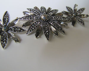 Vintage 1950s Hollycraft Gunmetal Marcasite Brooch & Earring Set. - MercyMadge