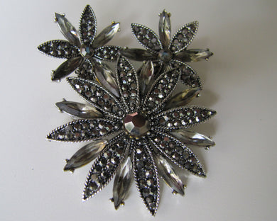 Vintage 1950s Hollycraft Gunmetal Marcasite Brooch & Earring Set. - Mercy Madge