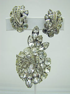 1950s Weiss Clear Crystal Rhinestone Brooch Earring Set. - MercyMadge