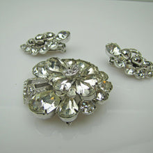 Load image into Gallery viewer, 1940s Eisenberg Clear Crystal Diamante Rhinestone Brooch Earring Set. - MercyMadge
