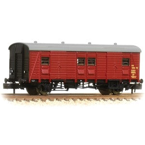 Graham Farish 374-415 SR PMV Parcels & Miscellaneous Van BR Crimson