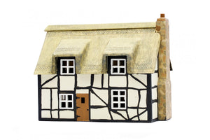 Dapol C020 Thatched Cottage OO Scale Plastic Kit