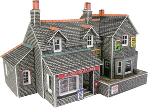 METCALFE PN154 N SCALE VILLAGE SHOP & CAFE