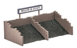Ratio 533 Coal Staithes OO Scale Plastic Kit