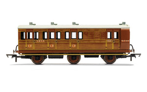 PRE-ORDER Hornby R40130 LNER 6 Wheel Coach Brake 3rd Class 4589 WITH LIGHTS
