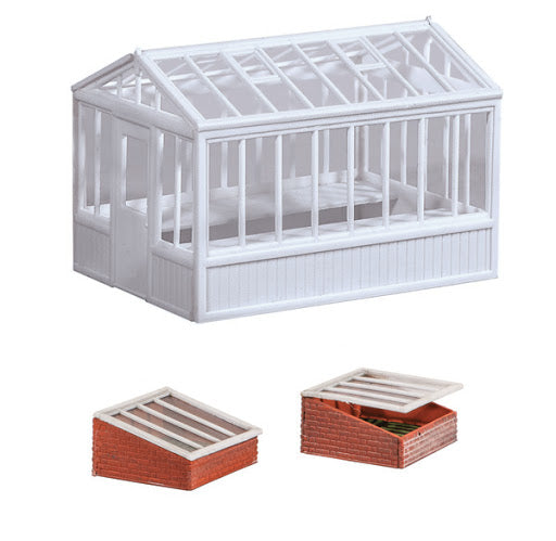 Wills SS20 Greenhouse & Cold Frames OO Scale Plastic Kit