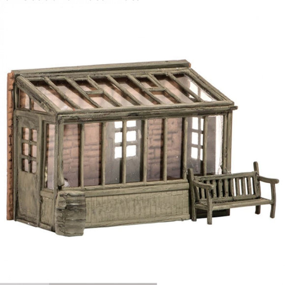 Wills SS24 Conservatory, Garden Seat & Water Butt OO Scale Plastic Kit
