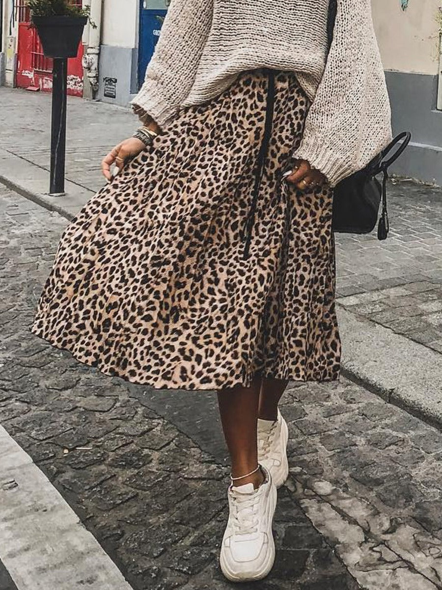Stylish Women Leopard Pleated Skirt