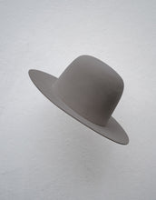 Load image into Gallery viewer, 'HOWL' Open Crown Felt Fedora