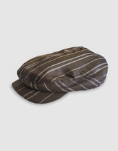 Load image into Gallery viewer, Silk 106 Flat Cap, Brown