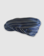 Load image into Gallery viewer, Silk 106 Flat Cap, Navy
