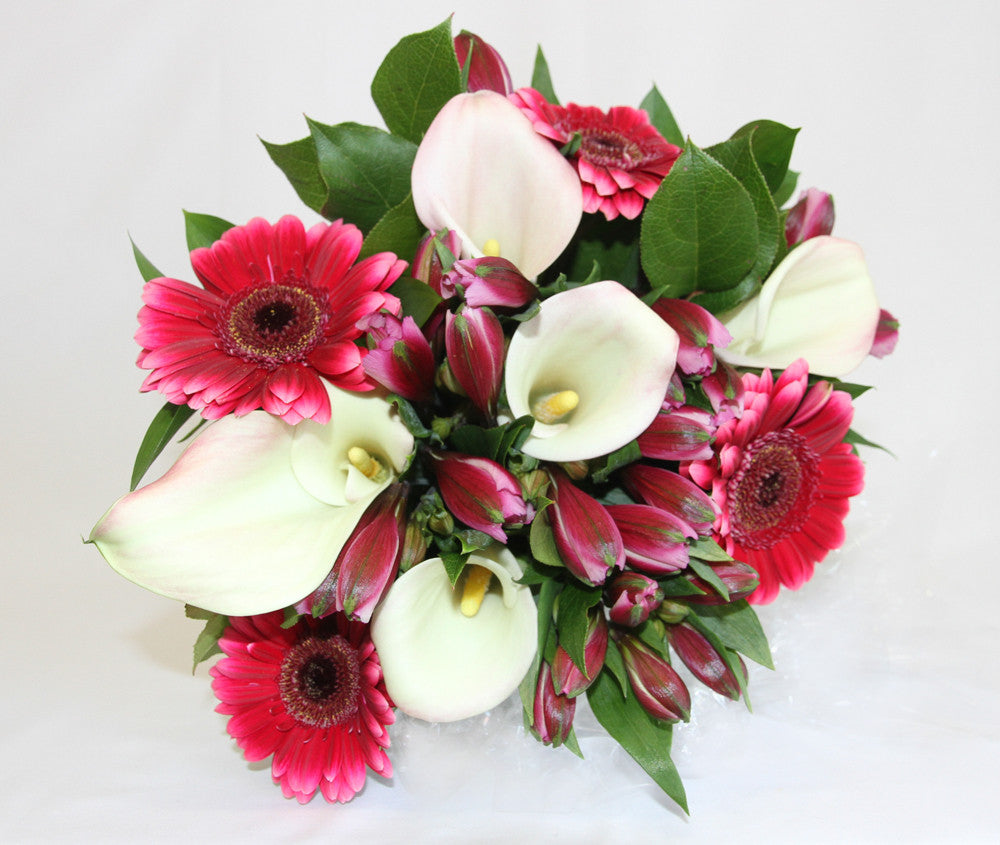 RED AND WHITE BOUQUET BIRTHDAY