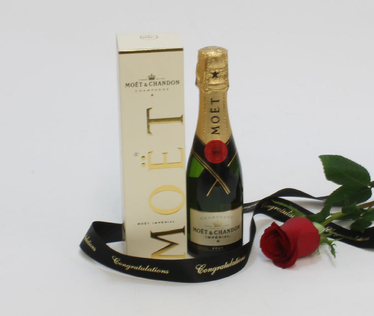 ROSE AND MINI MOET CHAMPAGNE