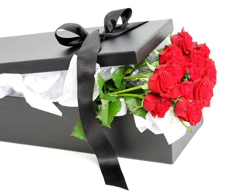 BOXED DOZEN RED ROSES