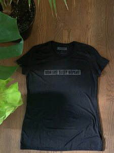 """A Runners Life"" Night Vision - Women's Performance Shirt"