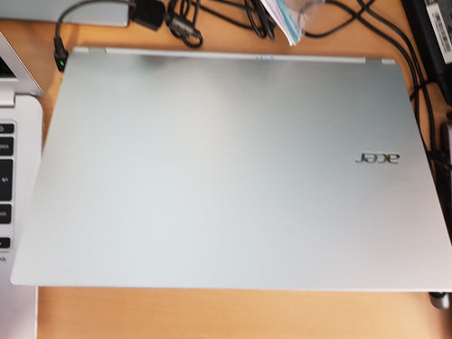 Acer S7 Ultrabook. Superfast laptop 6months warranty