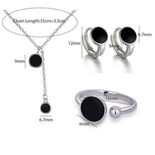 Load image into Gallery viewer, Black Spot - Feminarum Jewelry
