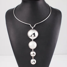Load image into Gallery viewer, Silver Pearl - Feminarum Jewelry