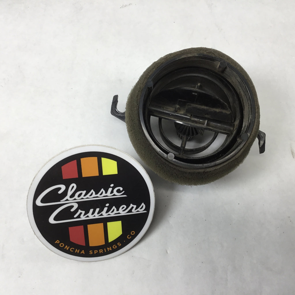 FJ60/62 Dash Twist Vent with Open/Close (Used OEM)