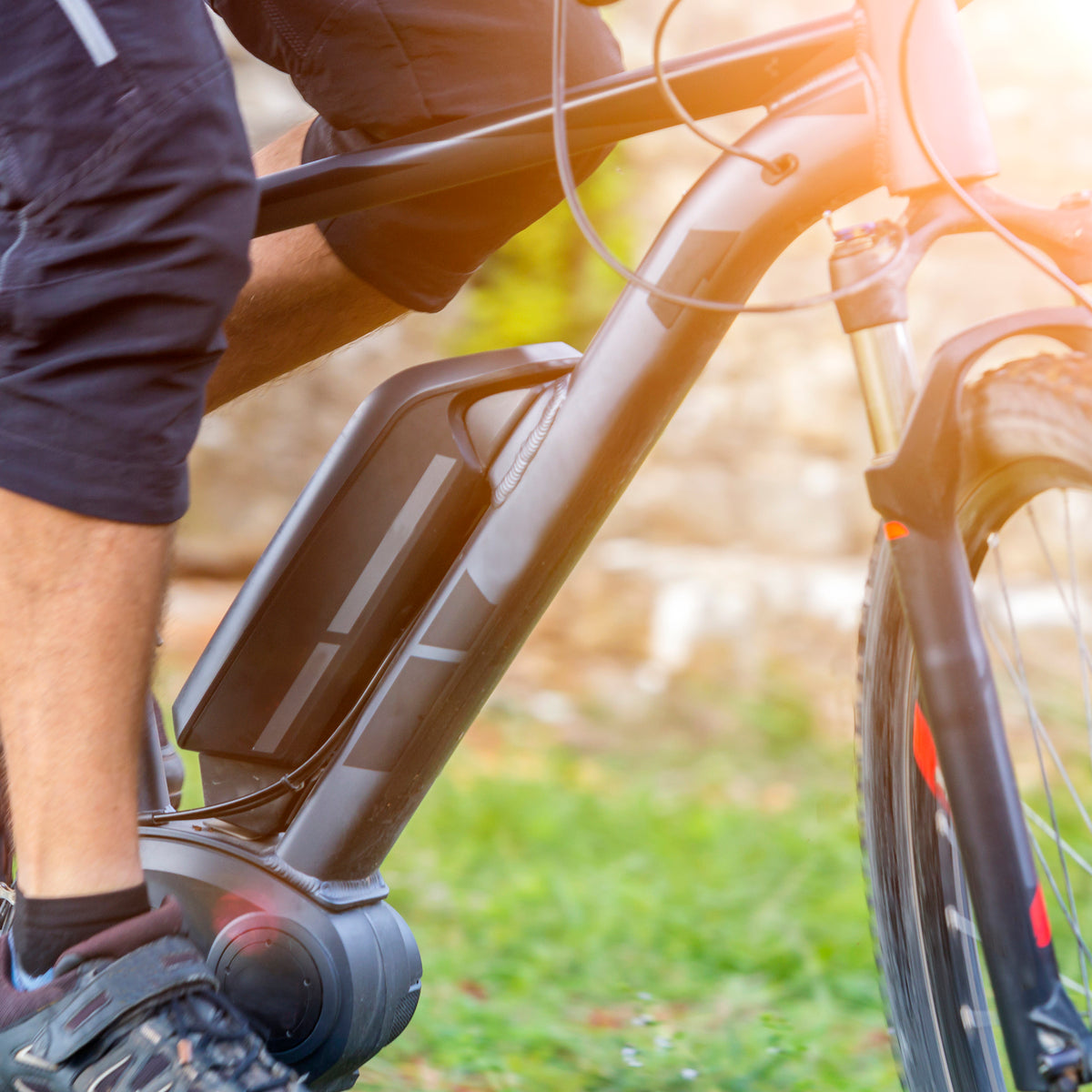How Electric Bike Throttles & Pedal Assist Work