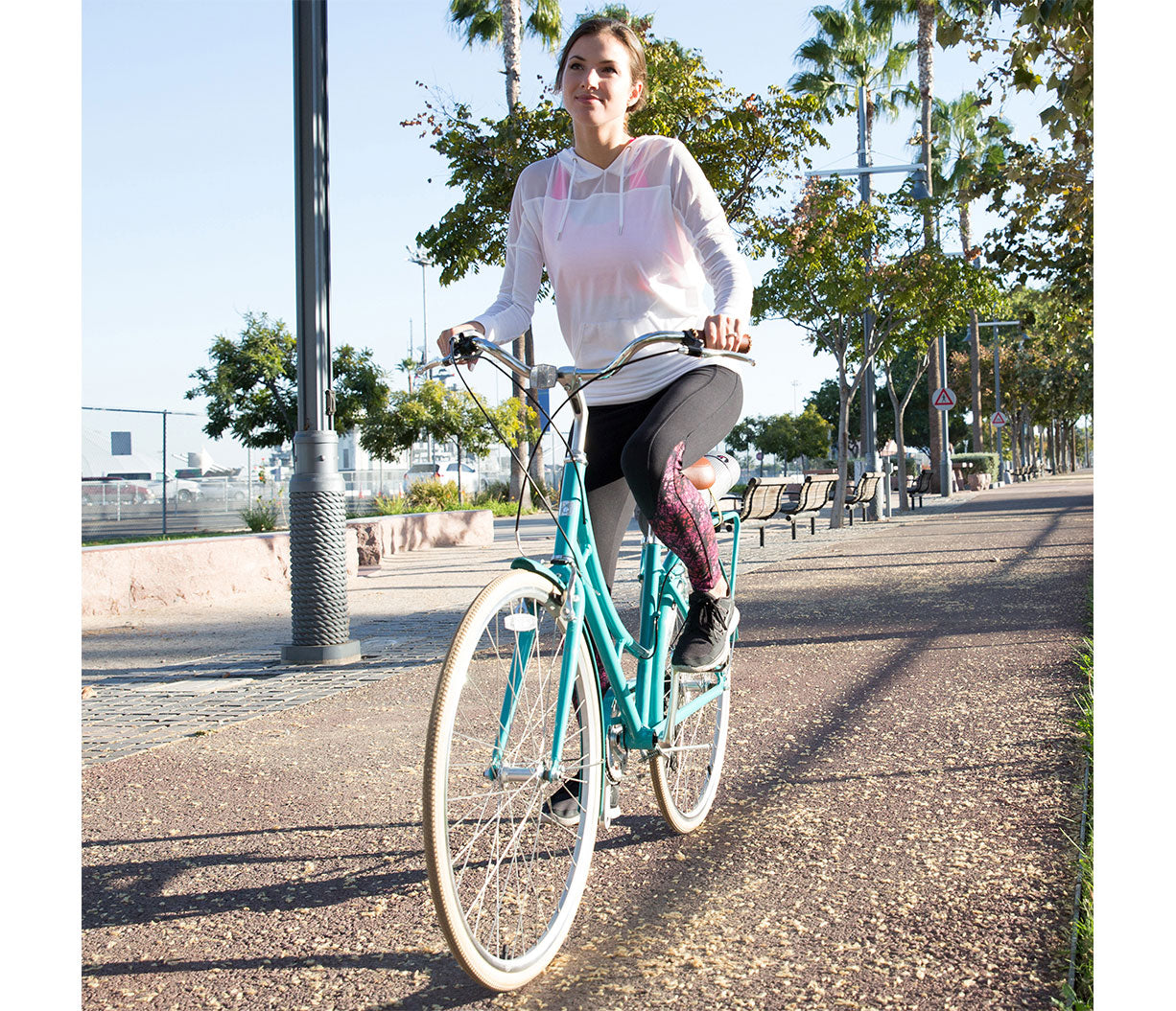 sixthreezero Ride in the Park Women's 3 Speed Touring City Bike with Rear Rack