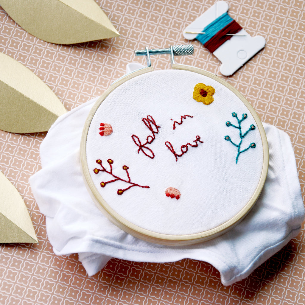 Kit de broderie - Fall In Love