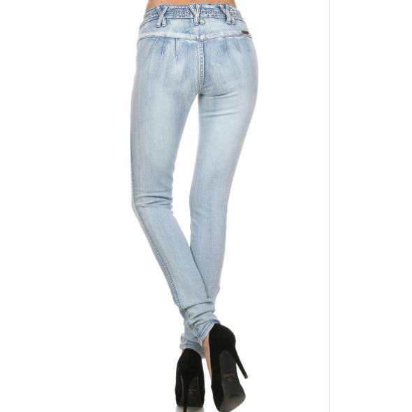 High Waist Light Rinse Butt Lift Jeans - Brim & Boho