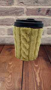 Knitted sweater case for handmade mug