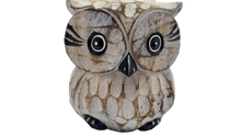 Load image into Gallery viewer, Decorative owl made of wood