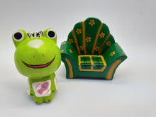 Load image into Gallery viewer, Figurine wooden frog in a chair